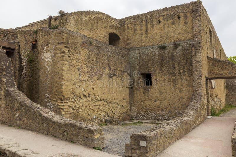Руины на городе Геркуланума старом римском в Италии стоковые изображения