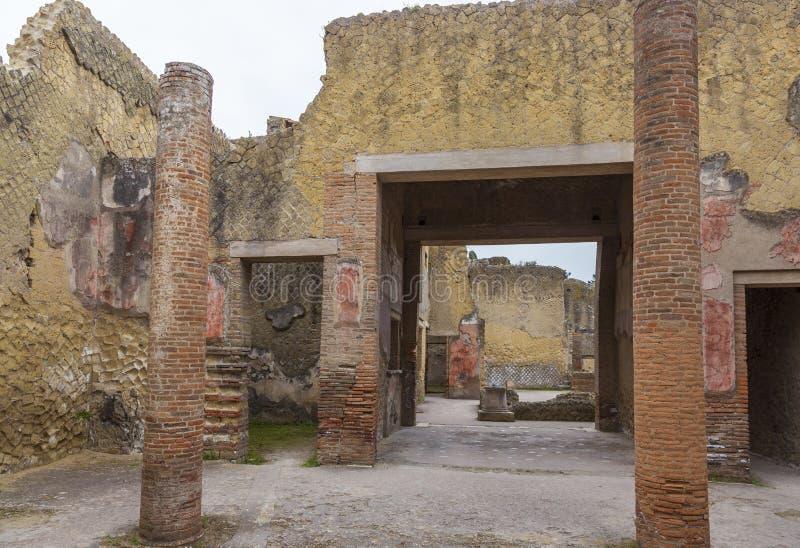 Руины на городе Геркуланума старом римском в Италии стоковое фото rf