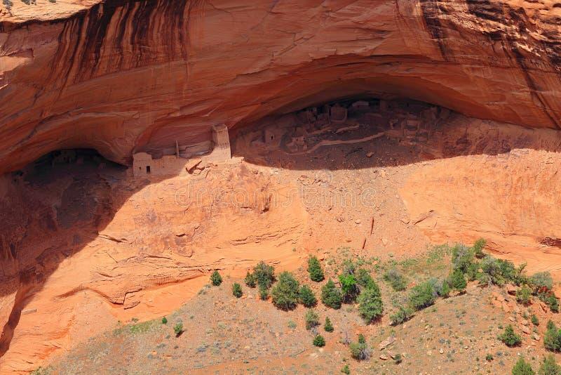 Руины Пуэбло пещеры мумии в национальном монументе Каньона de Chelley, Аризоне стоковые изображения