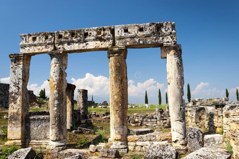Руины древнего города Hierapolis, Турции стоковые изображения