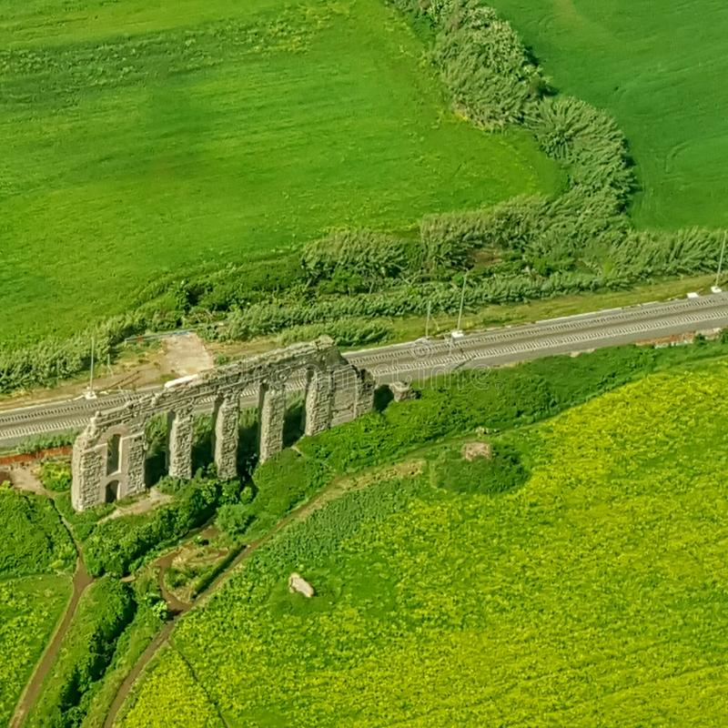 Руины римской стены стоковые фотографии rf
