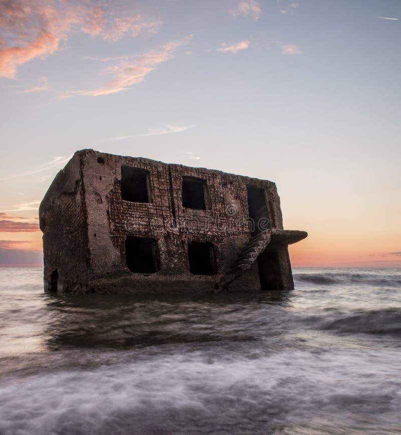 Руины северных фортов во время захода солнца в Liepaja, Латвии стоковые изображения rf