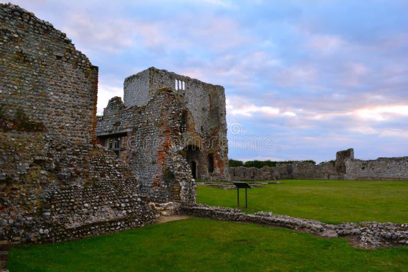 Руины средневекового Baconsthorpe рокируют, Норфолк, Англия, Великобритания стоковое изображение