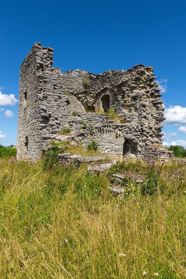 Руины средневековой церков в Готланде, Швеции стоковые изображения rf