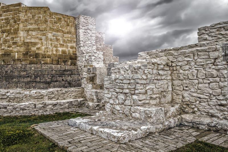 Руины старинных зданий стоковые изображения rf