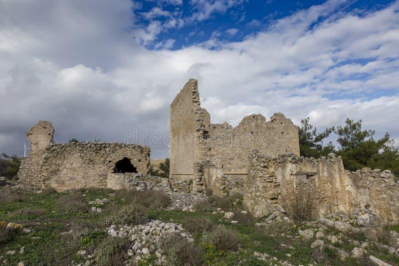 Руины старого венецианского дома на венецианской деревне Voila Крит Греция стоковые изображения
