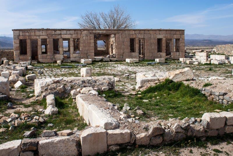 Руины старого караван-сарая стоковое фото rf