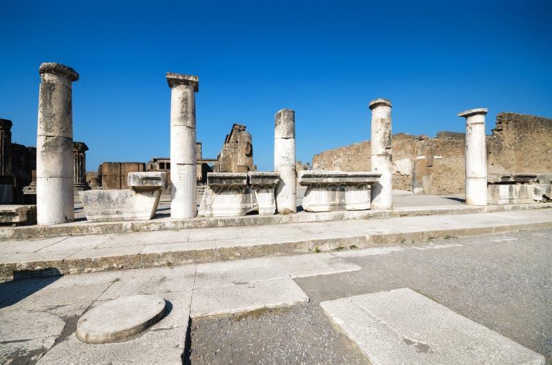 Руины старого римского города Помпеи стоковые фотографии rf