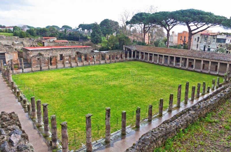 Руины старого римского города Pompei, Италии стоковые фотографии rf