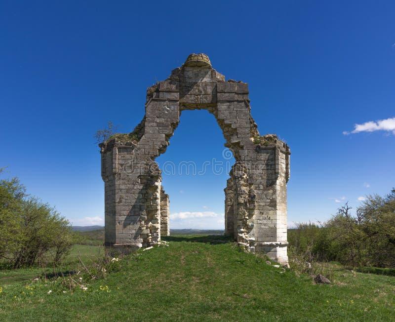 Руины старой правоверной часовни стоковое изображение rf
