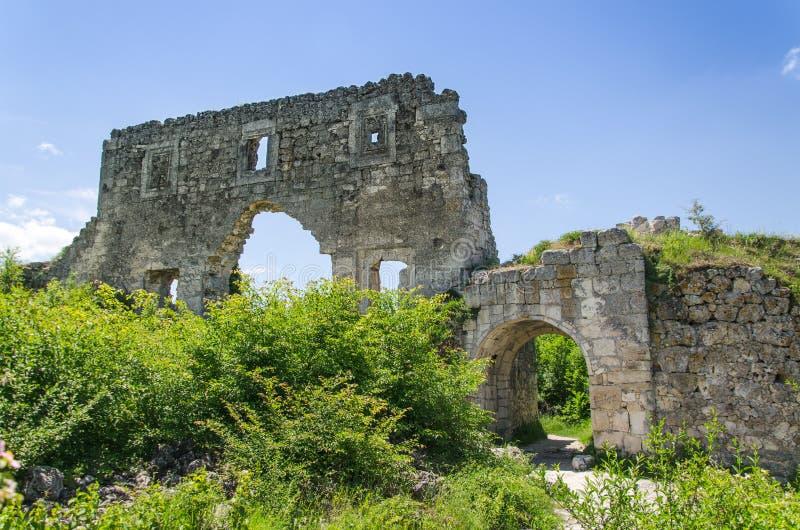 Руины стародедовского замка стоковая фотография rf