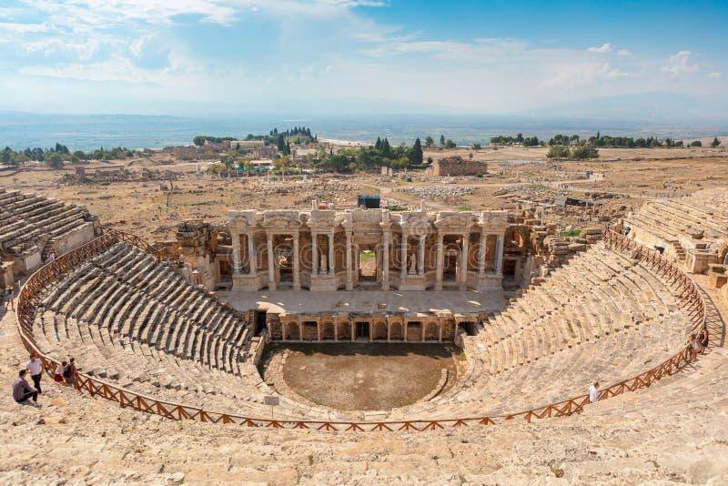 Руины театра в старом Hierapolis в Турции стоковые фотографии rf