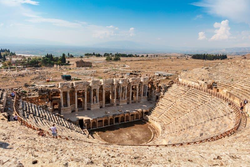 Руины театра в старом Hierapolis в Турции стоковые изображения