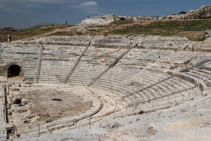 Руины театра древнегреческия в историческом центре стоковые изображения rf