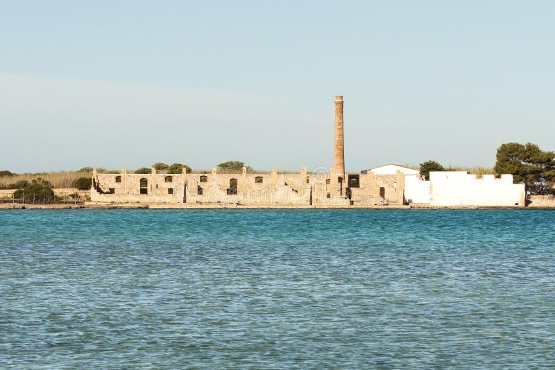 Руины фабрики тунца заповедника Vendicari в Сицилии стоковая фотография rf