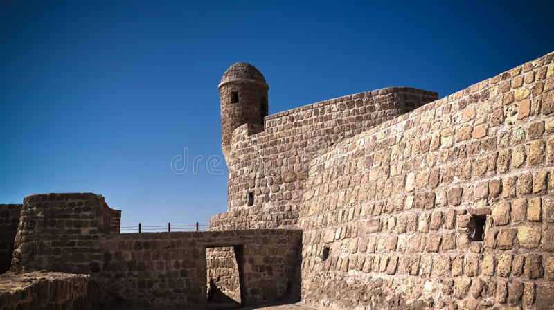 Руины форта Qalat около Манамы, Бахрейна стоковое фото rf