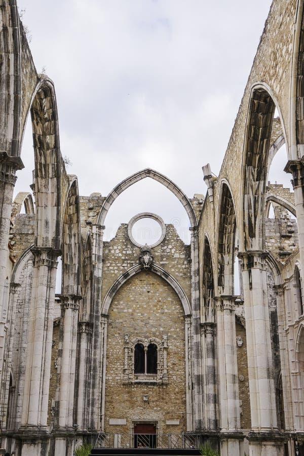 Руины церков монастыря Лиссабона, Португалии Carmo стоковая фотография