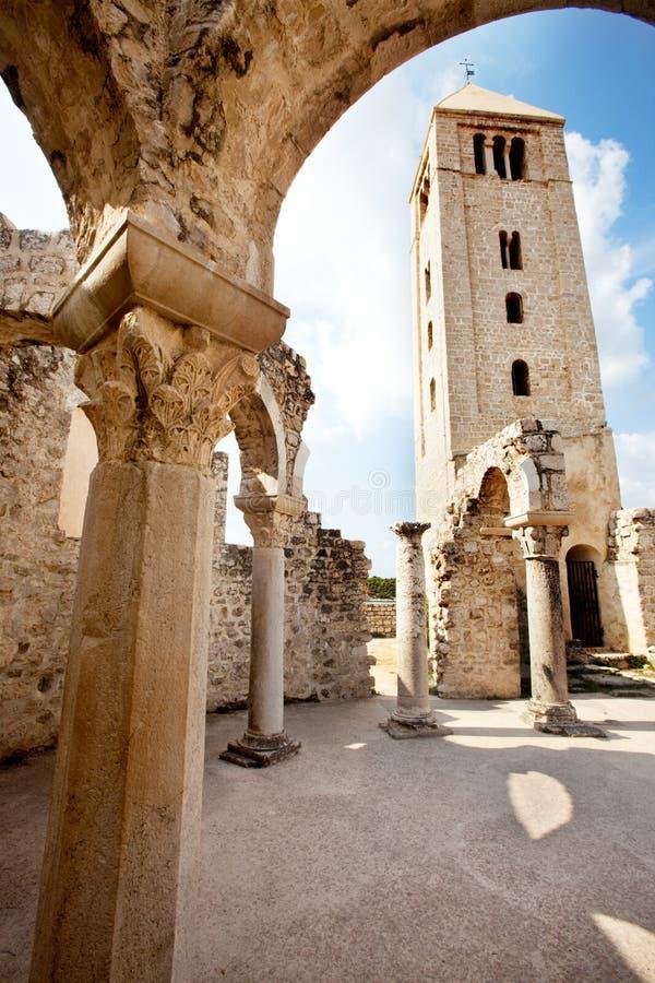 руины церков старые стоковая фотография