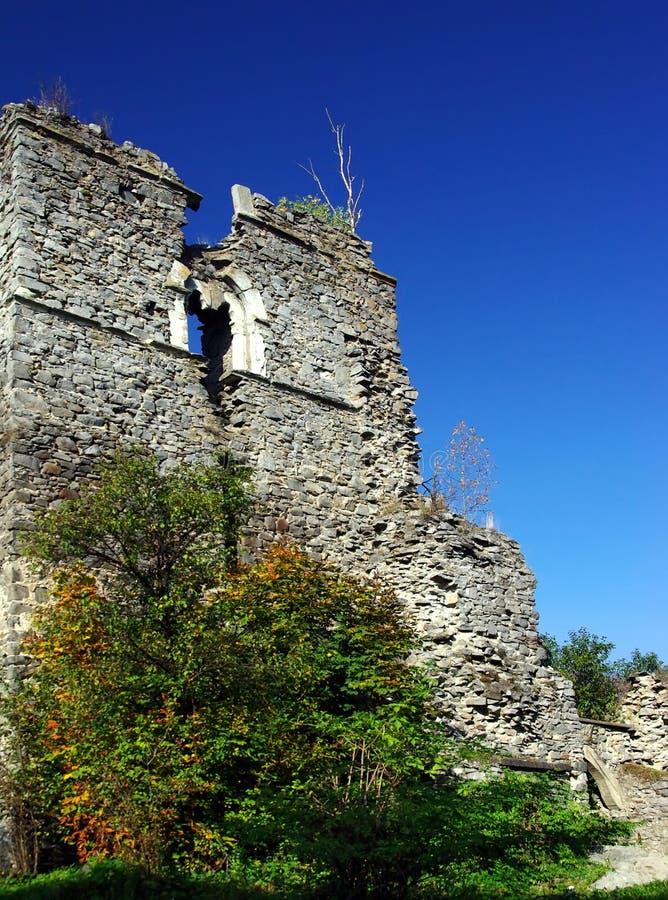 Download руины стоковое фото. изображение насчитывающей падение - 6869464