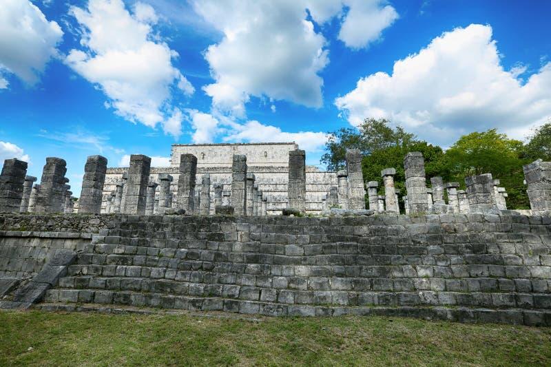 Руины Mil Columnas на Chichen Itza стоковые изображения rf