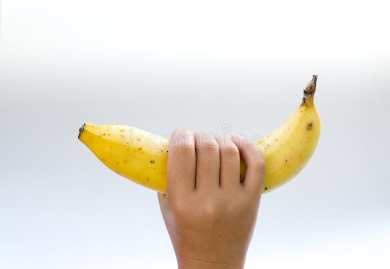 ней внимание картинки женская рука держит банан роузи американский