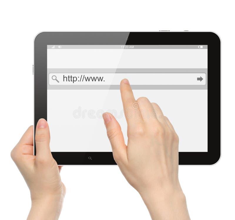 Рука нажимая виртуальный бар поиска стоковые фото
