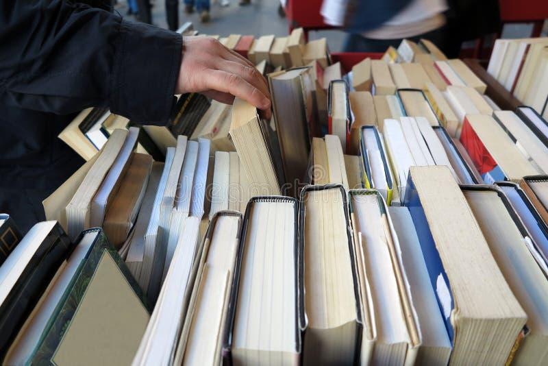 Старый книжный магазин стоковые фотографии rf