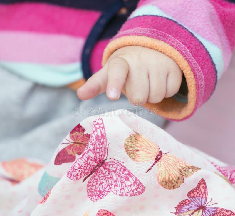 рука s девушки стоковое фото rf