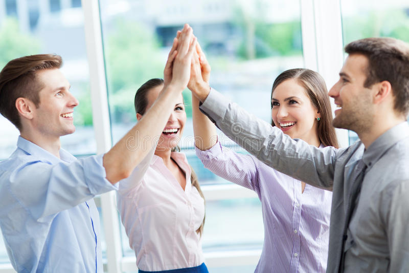 Руки бизнес-группы соединяя стоковое изображение
