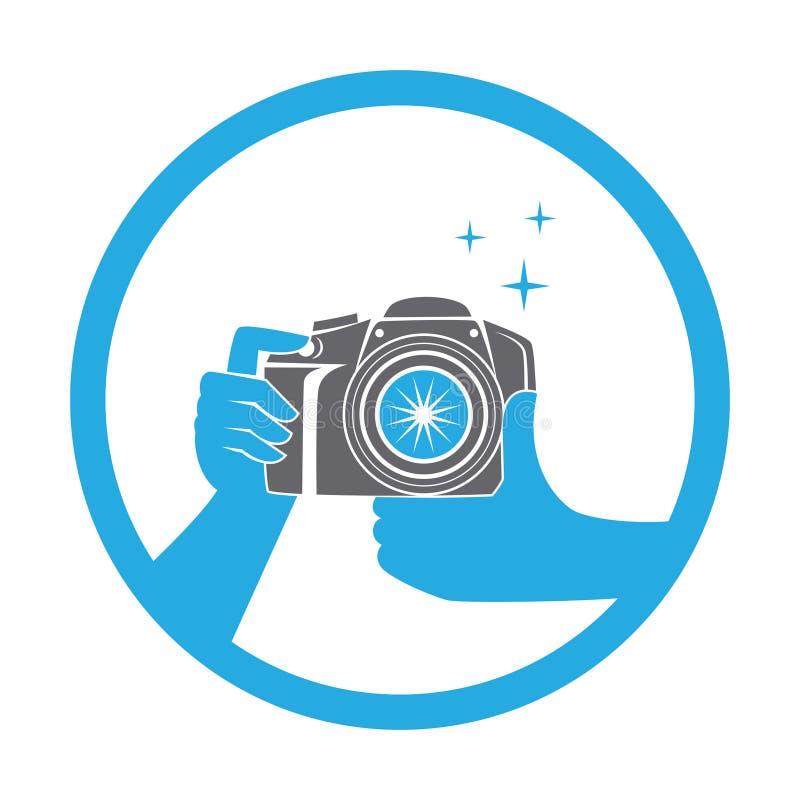 Руки держа значок дизайна фотографии камеры фото плоский иллюстрация вектора