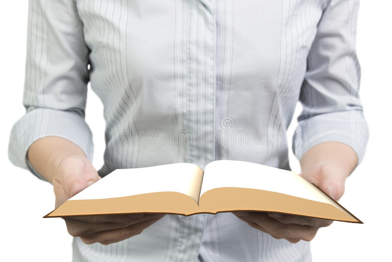 руки книги держа открытыми стоковое фото