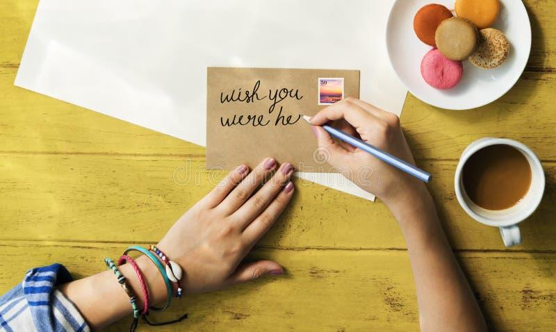 Руки писать концепцию плодоовощей перемещения открытки стоковые фотографии rf