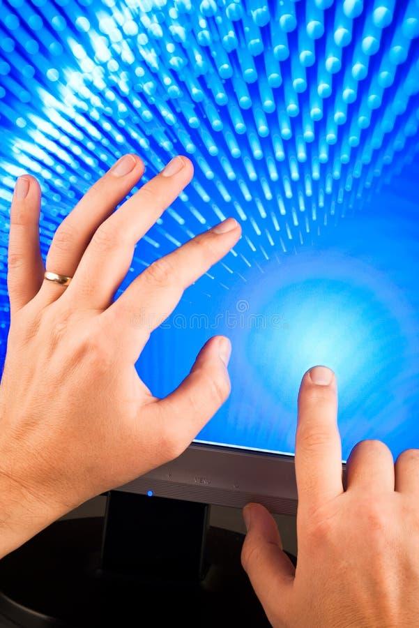руки экранируют касатьться стоковые фотографии rf