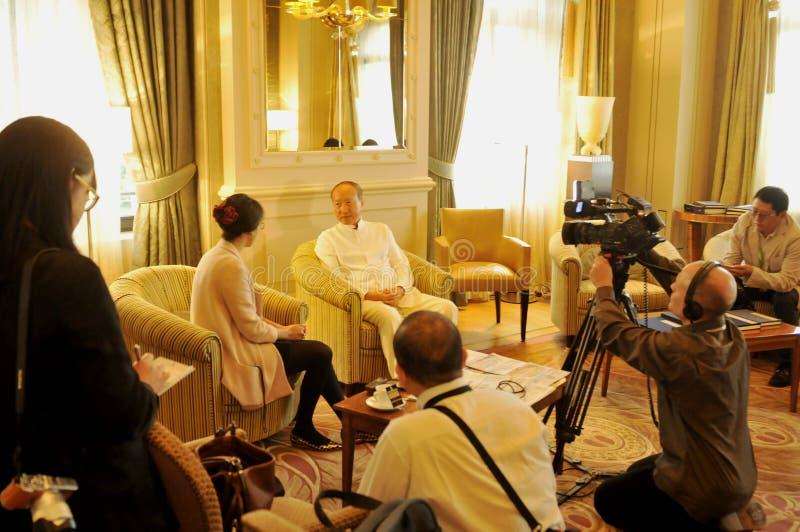 Руководители Chen Feng группы HNA, китайский миллиардер на гостинице Dolder в богачах ¼ ZÃ стоковые фото