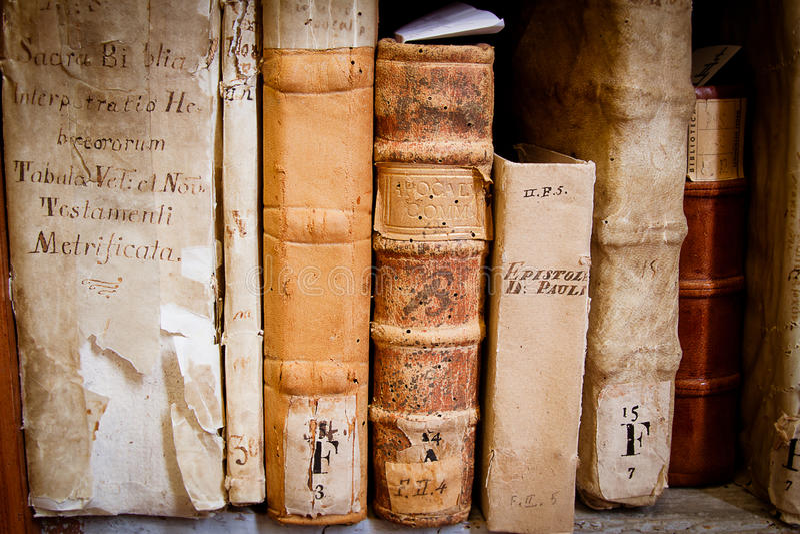 рукописи вероисповедные стоковые фото