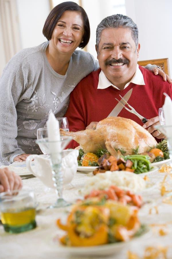 рукоятка вокруг ее женщины супруга стоковые фотографии rf