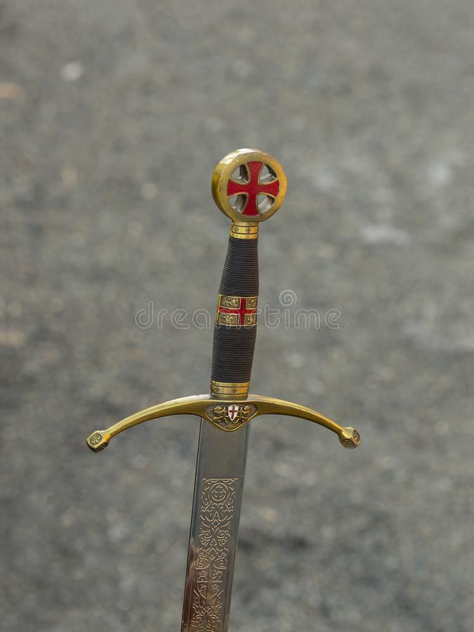 Рукоятка экземпляра средневековой шпаги стоковое фото rf