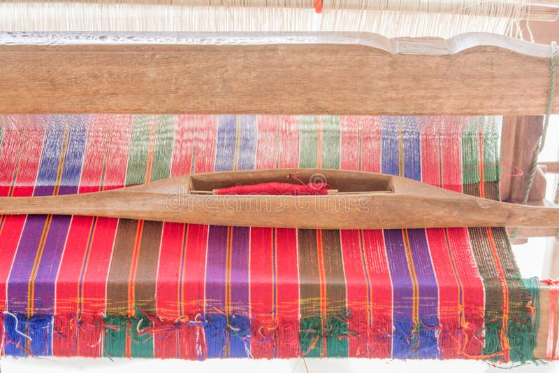 Рук-сплетенные пряжа и соткать, ремесла стоковая фотография rf