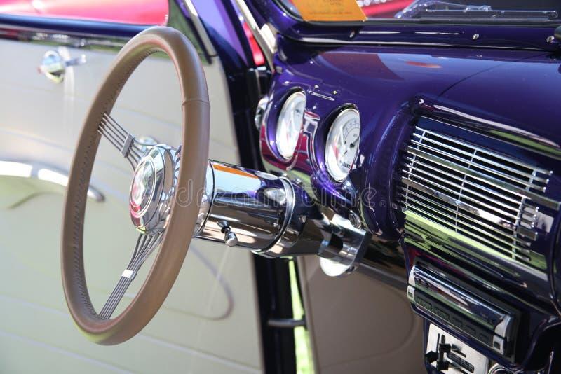 рулевое колесо крома классицистическое стоковые изображения