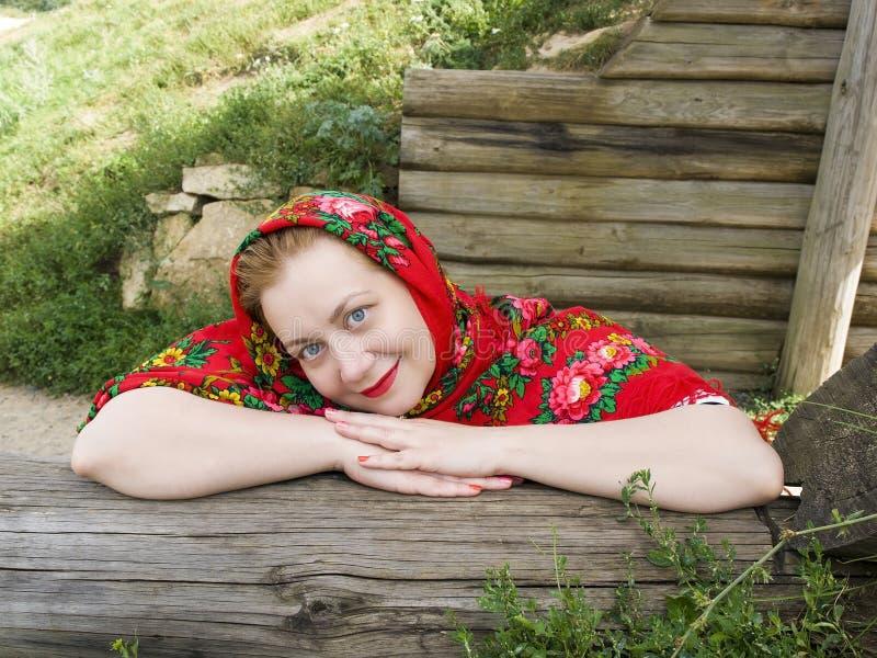 Русская женщина в шарфе стоковые фотографии rf