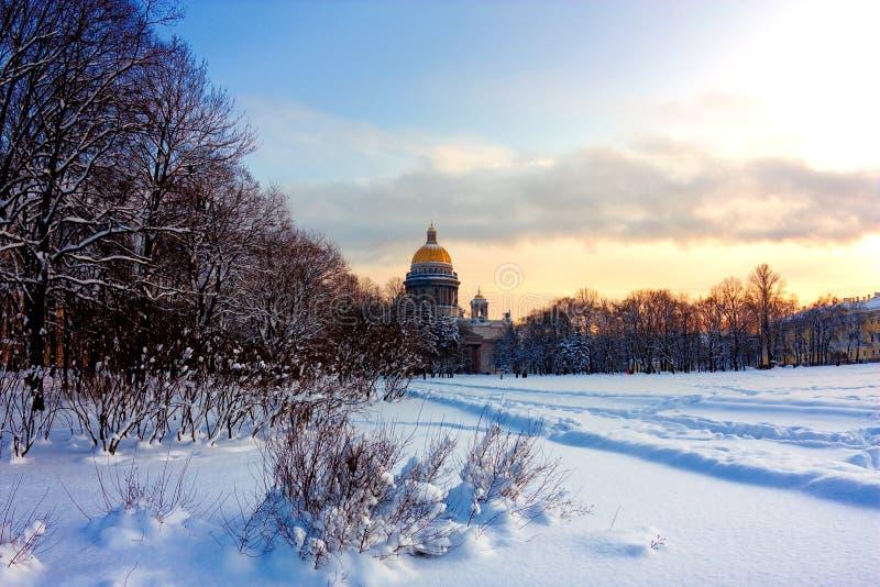 русская зима стоковая фотография