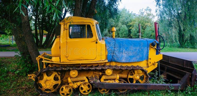 Русская родина - старый трактор Уфа, Bashkiria стоковое фото rf