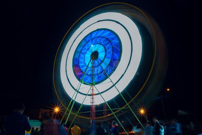 Русская рулетка в ярмарке детей в городе Cajamarca Перу стоковая фотография