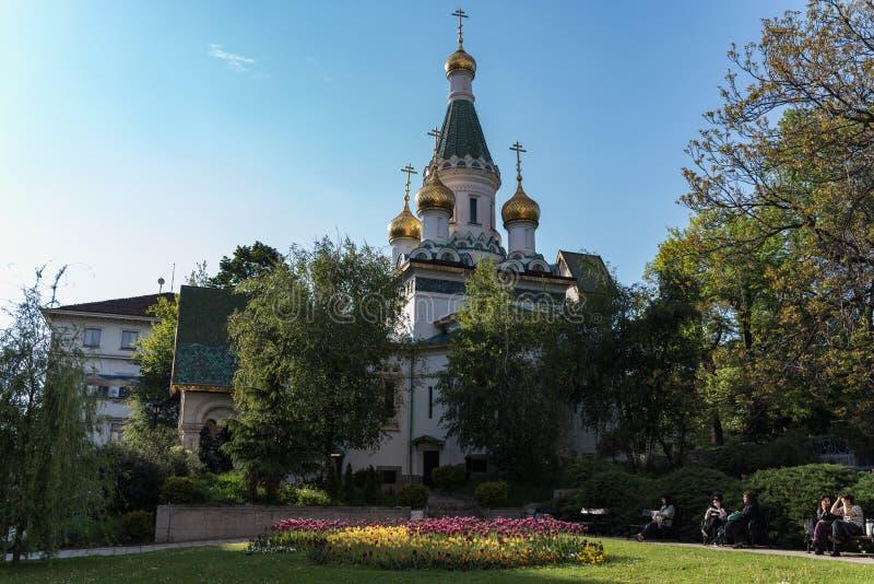 Русская церковь, известная как церковь St Nicholas Чуд-создатель Русская православная церковь в центральной Софии, Болгарии стоковые фотографии rf