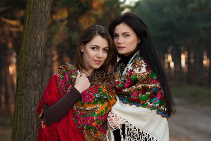 Русские девчонки на речке в деревне видео