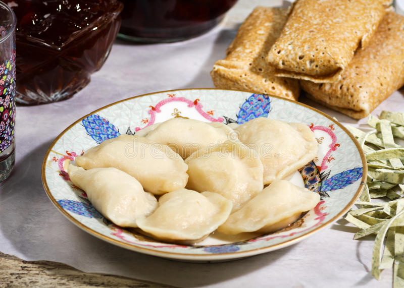 Русские кухня и еда стоковые фото
