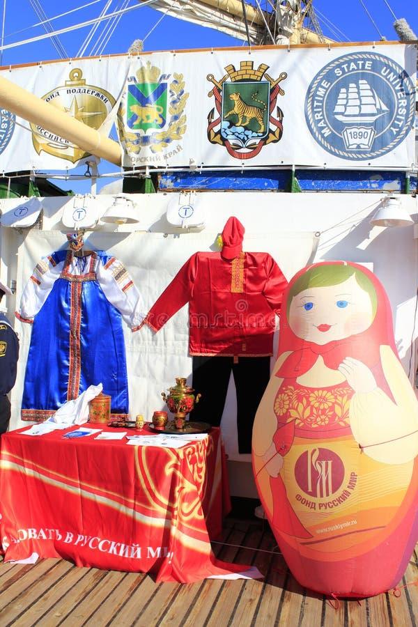 Русские традиционные сувениры стоковое фото