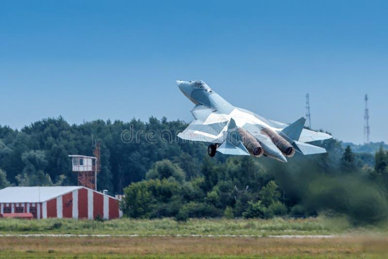 Русский боец T-50 пят-поколения стоковые фото