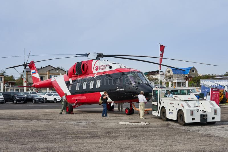 Русский вертолет Mi-38-2 продемонстрирован на выставочной площади на побережье Чёрного моря в стоянке стоковое фото rf