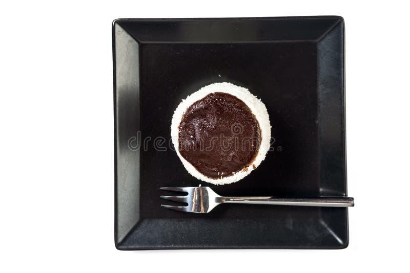 Русский торт шляпы на плите с серой мраморной таблицей на заднем плане стоковые фотографии rf